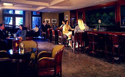 catamaran resort bar