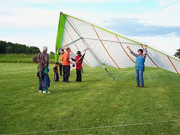 Hang Gliding Getting set up