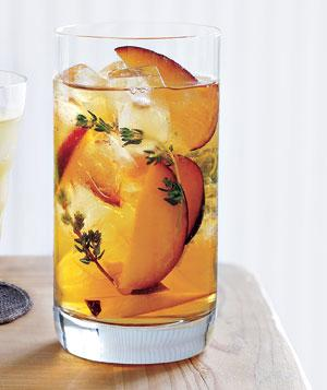 iced tea with plums and tyme