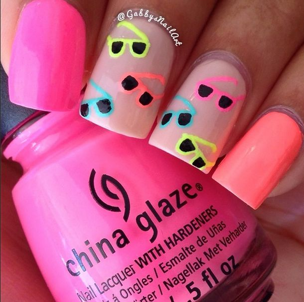 SUNGLASSES NAILS