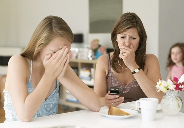 Teen talks to parent Divorced