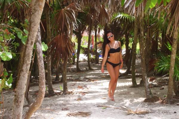 char black bikini