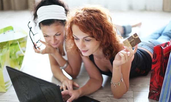girls online Millennial Shopping