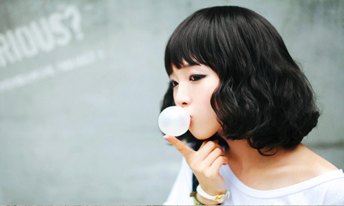 Asian Girl Bubble Gum in Singapore