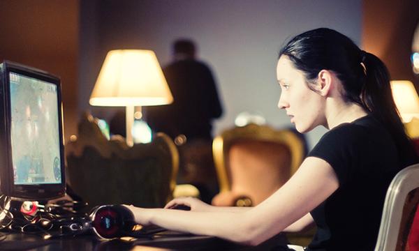 girl gamer pc