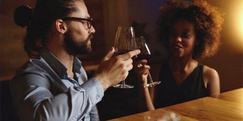 first date bar dating