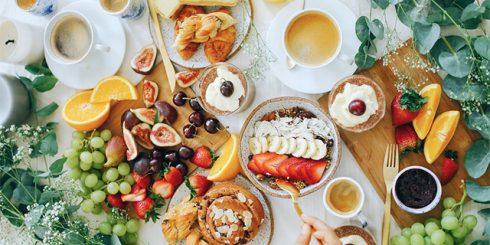 dinner date - indoor picnic